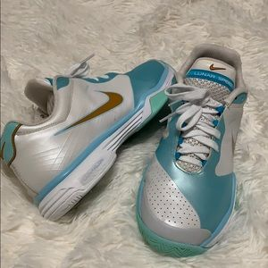 NIKE LUNARLON TENNIS SHOES
